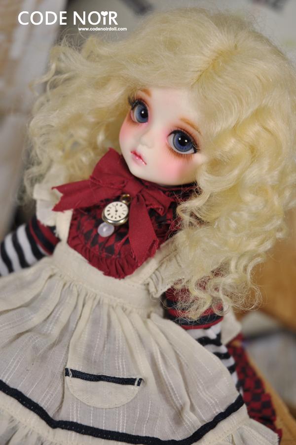 CYW000009 Blond (Mohair)